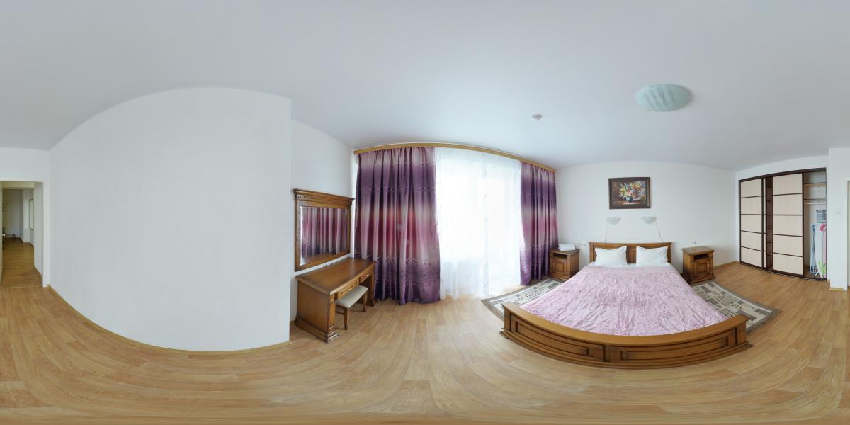 Трёхкомнатная квартира в аренду - Большая спальня