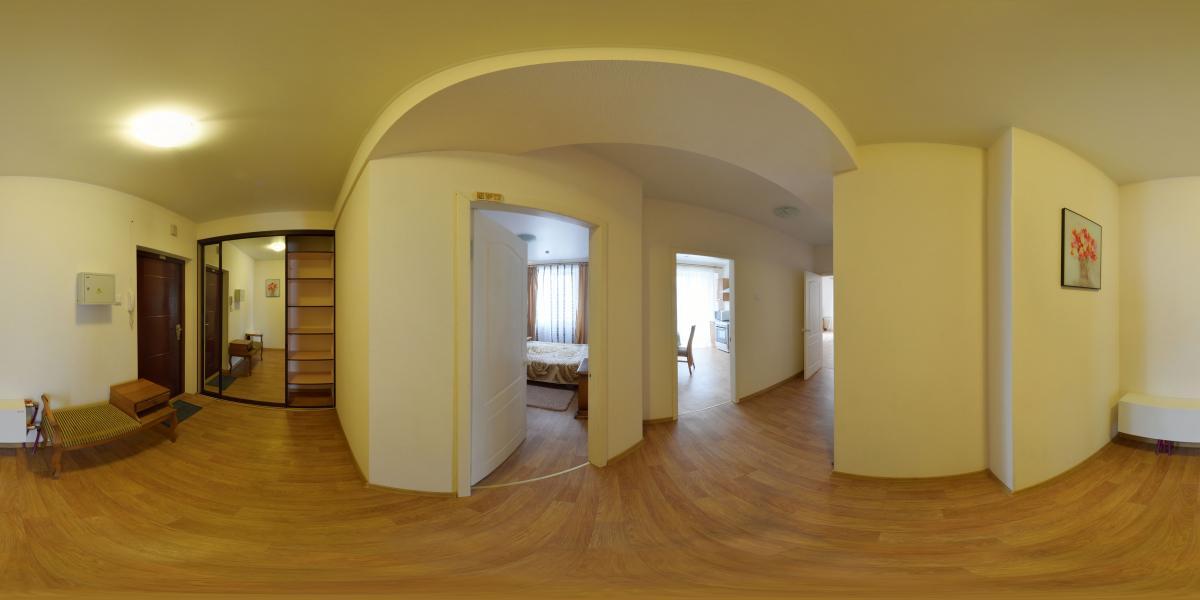 Двухкомнатная квартира в аренду - Прихожая