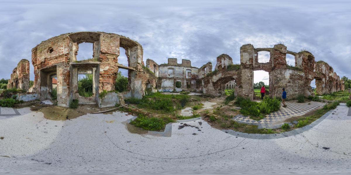 Руины замка Брандербург - Внутри хозяйственных построек замка